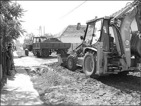 a38e8bd060 2003 júliusában útalap készült a Tiszta utcán, amely később  aszfaltburkolatot kapott