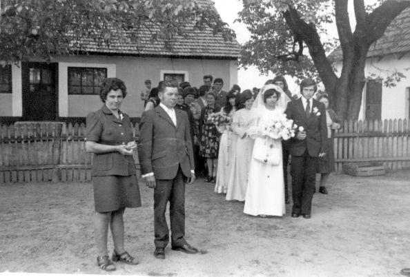 Falusi esküvő